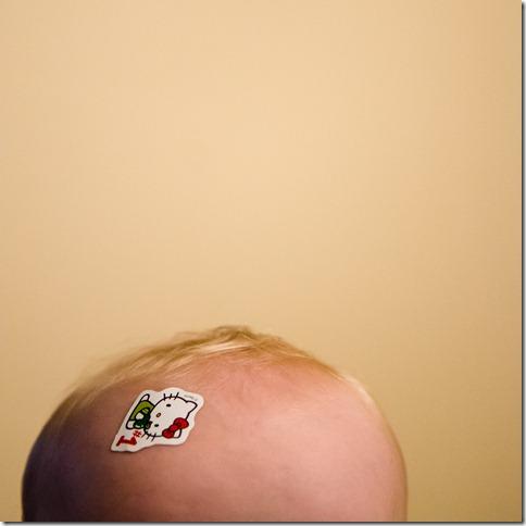 121118 leighton hello kitty sticker 005