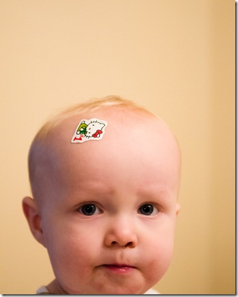 121118 leighton hello kitty sticker 010